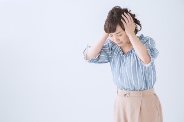 寒暖差疲労に悩む女性