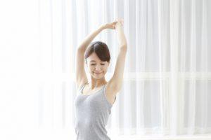 適度な運動をする女性