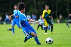膝に負担のかかりやすいサッカー