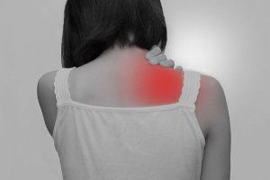 肩こりによる肩の痛み