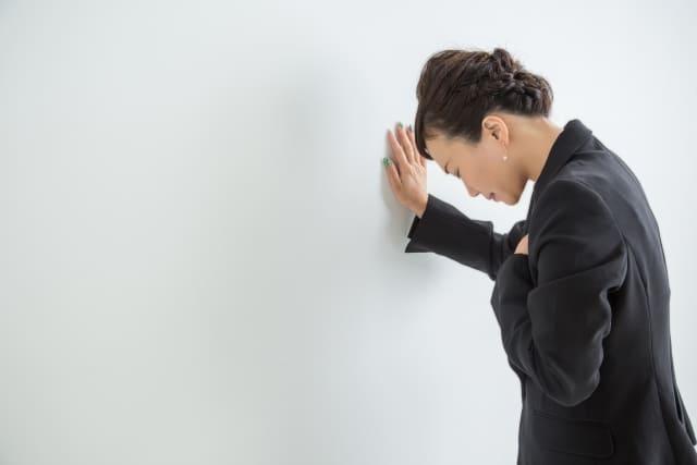 肩こりが原因で息苦しい?呼吸が浅いときの対策は?