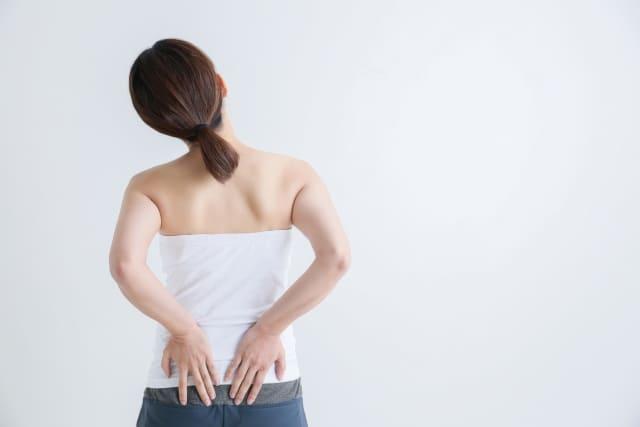 【腰痛を和らげる方法】「急性期」と「慢性期」それぞれの対処とは?