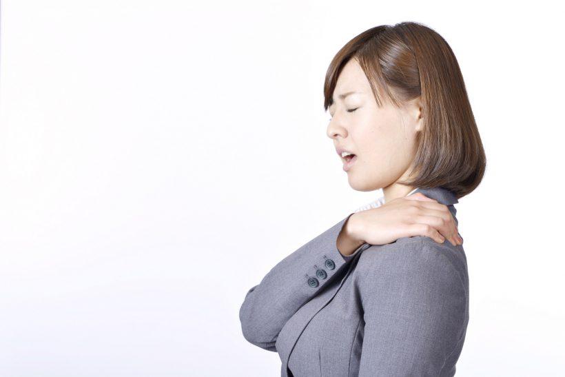 巻き肩で自律神経が乱れるって本当?頑固な症状を改善する方法