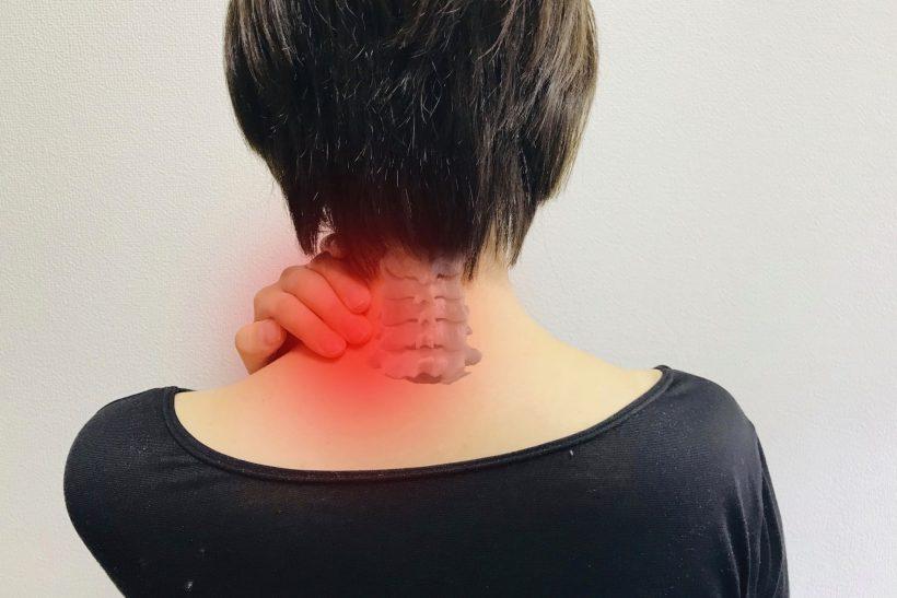 首こりを治療は何がベスト?方法を知って快適な生活を取り戻そう