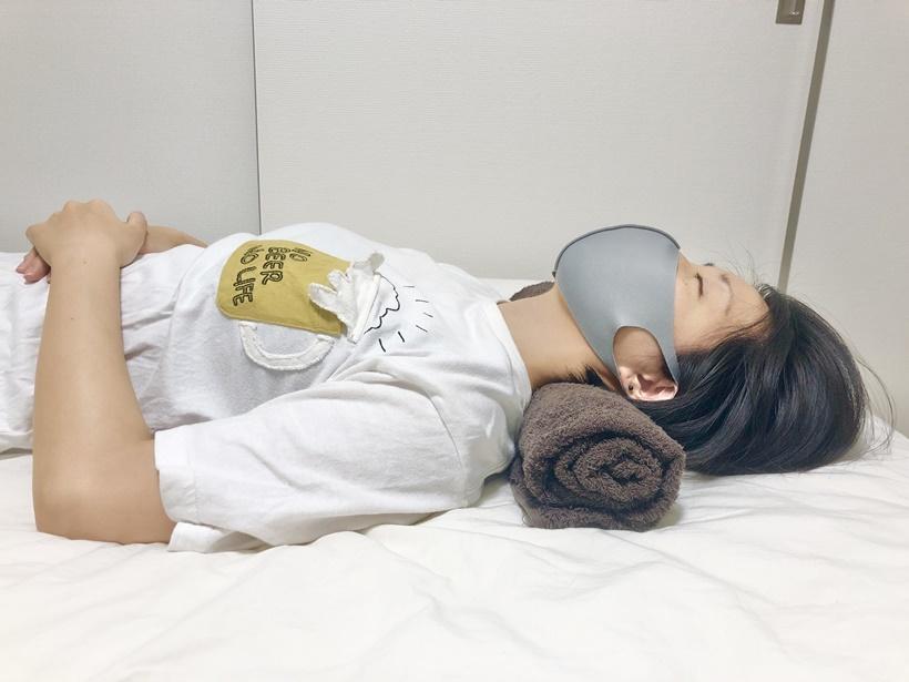 寝ながらできるストレートネック改善ストレッチ5